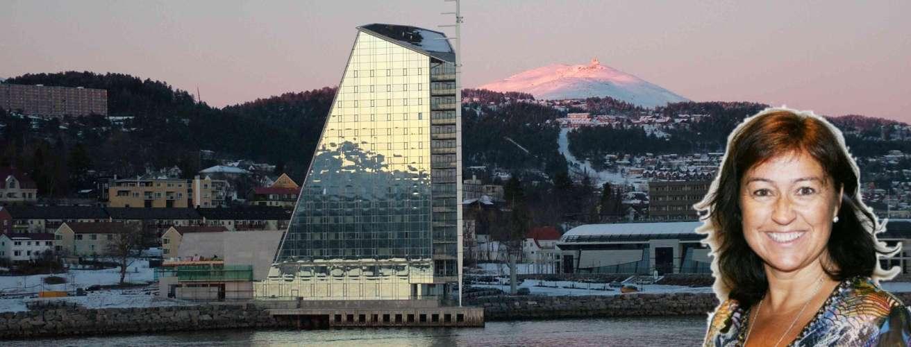 Mette Holand montasje Molde im Februar 2005 wikimedia ccby20 oppslag